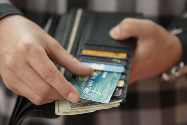 首次申请信用卡,如何避免被拒?