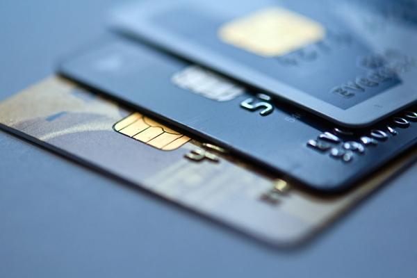 22~32岁的青年人群最适合办理的五张信用卡,五种类型的信用卡!