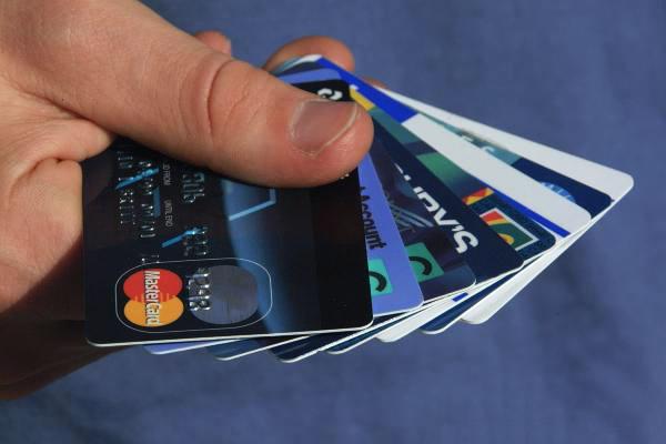 使用信用卡有这四种行为,早晚出事,赶紧收手!