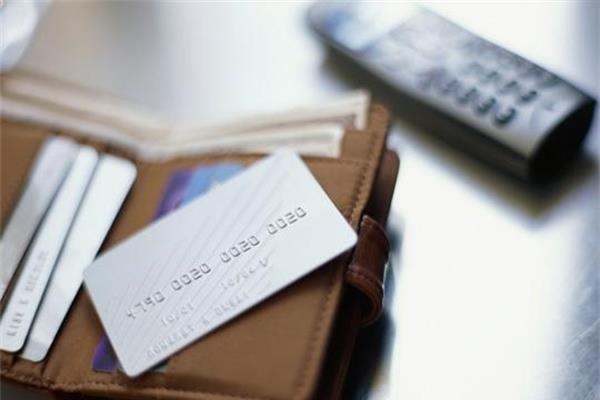 有信用卡和没信用卡的区别,想想还是办张信用卡好!